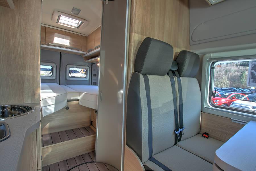 wohnmobilvermietung augsburg wohnmobil knaus boxstar 630. Black Bedroom Furniture Sets. Home Design Ideas