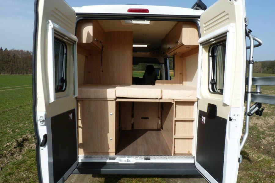 wohnmobilvermietung augsburg wohnmobil roadcar r 640. Black Bedroom Furniture Sets. Home Design Ideas